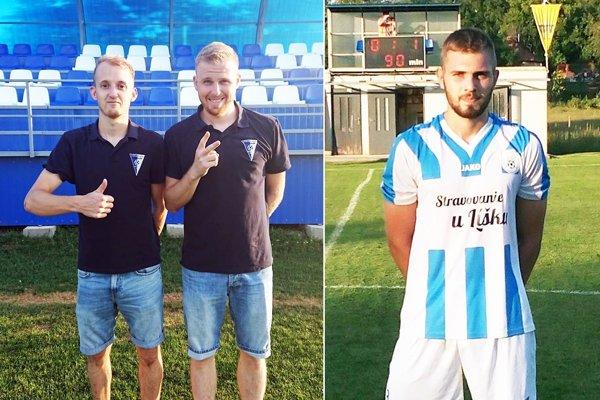 Michal Andrášik a Marián Pogran pomohli V. Zálužiu k výhre v Kovarciach. Vpravo Šimon Šóš, autor jediného gólu v dueli Čeľadice - Zbehy.