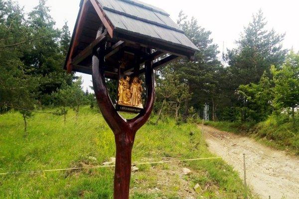Krížová cesta v Snežnici.