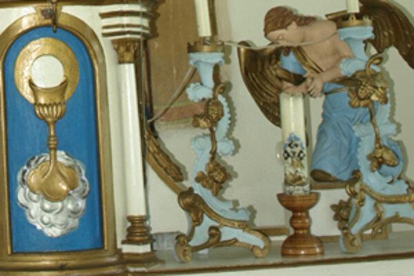 Zmizli aj sochy z kaplnky na kalvárii.