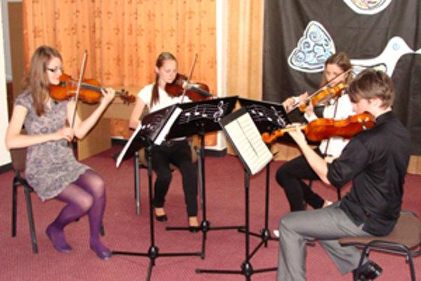 Úspešné husľové kvarteto ZUŠ I. Ballu.