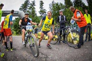 Hlavnou cenou tomboly je karbónový bicykel.