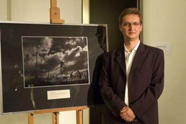Ocenený Miro Argaláš so svojou víťaznou fotografiou.