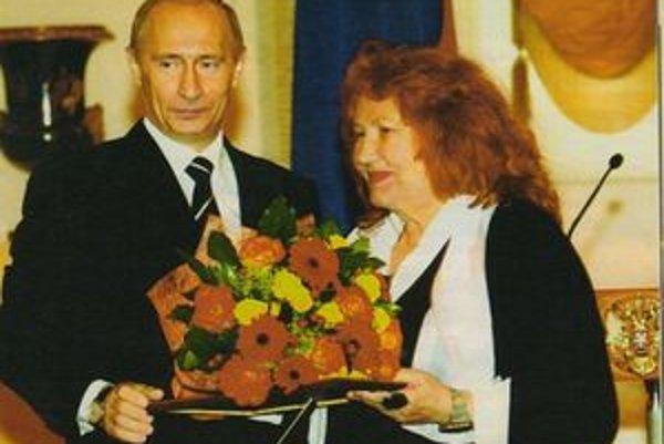 Rusistka Eva Kollárová s prezidentom Ruska Vladimírom Putinom.