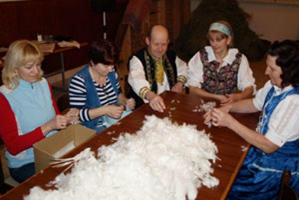 Páračky v Kline sú už druhý rok súčasťou fašiangového života dediny.