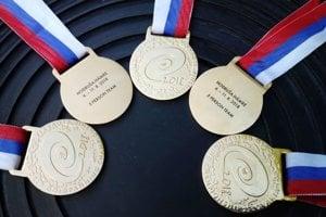 Zlaté medaily majstrov sveta 5-členných družstiev.