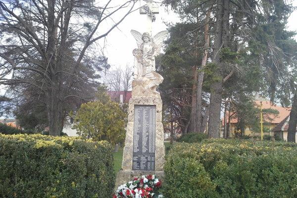 Pamätník v Rišňovciach.