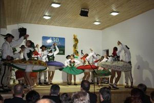 Kultúrny program trval až do večera. Po ňom si na diskotéke prišli na svoje aj mladší návštevníci Brezovice.