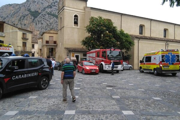 Päť turistov usmrtila náhla povodeň v kaňone na juhu Talianska