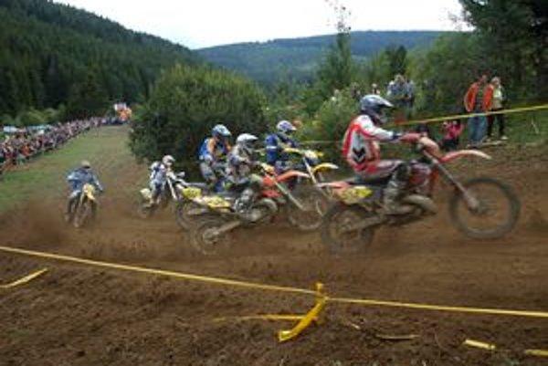 Adrenalínový štart súťažiacich si pochvaľovali všetci diváci.