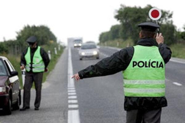 Výsledky šesťhodinovej dopravno-bezpečnostnej kontroly na oravských cestách sú alarmujúce.
