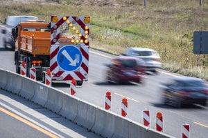 Dopravné obmedzenia na križovatke Triblavina sa už začali.