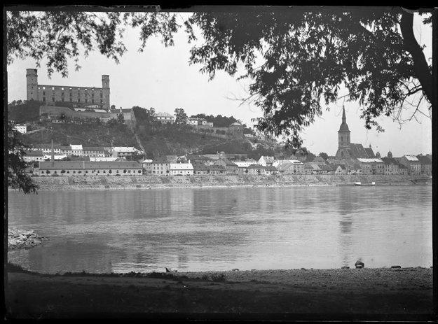 Bratislava (1915-1920)