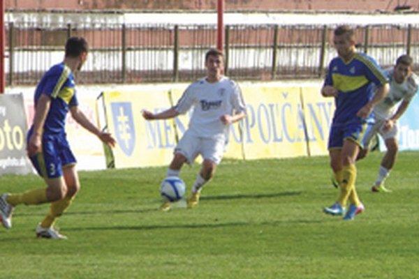 Michal Grman (v strede) zvýšil vedenie domácich na 2:0.