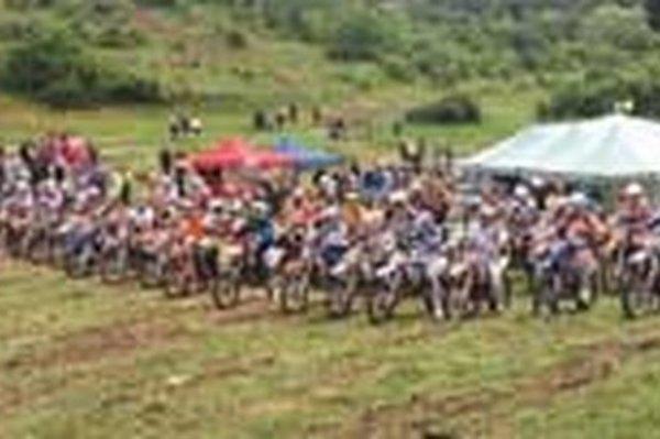 Preteky v Malých Uherciach sa vydarili, organizátori aj zúčastnení jazdci boli s podmienkami spokojní.