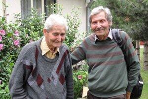 Alexej Žaťko (vpravo) so svojím bratom.