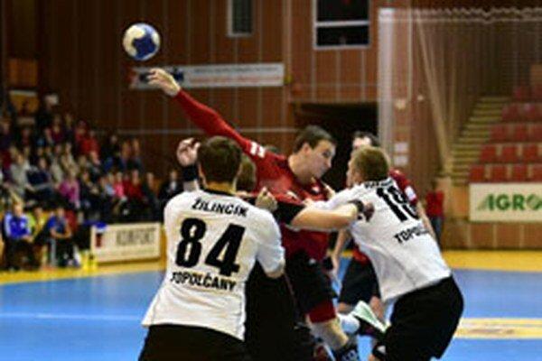 Hádzanári Topoľčian vyhrali v Šali o dva góly.