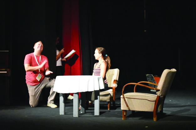 Stanislav Pitoňák a Tatiana Polákova na skúške pred večerným predstavením.