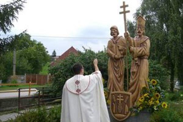 Súsošie posvätil topoľčiansky dekan Marián Dragúň.