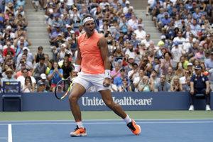 Rafael Nadal sa teší z postupu.