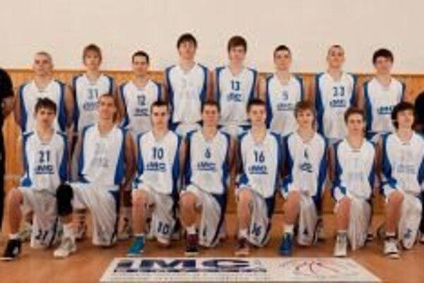 Juniori IMC Pov. Bystrica postúpili do finálového turnaja z prvej priečky.