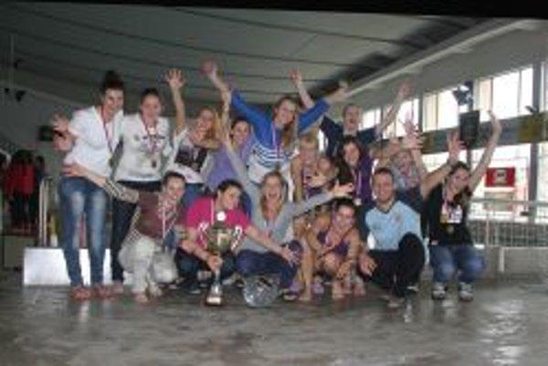 Topoľčianske ženy vyhrali pohár.