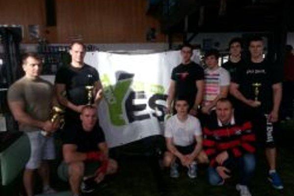 Dvojboja sa zúčastnilo osem súťažiacich.