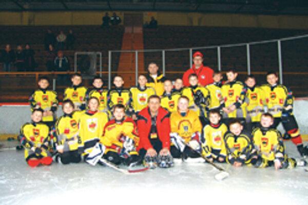 Tretiaci Topoľčian vyhrali domáci turnaj.