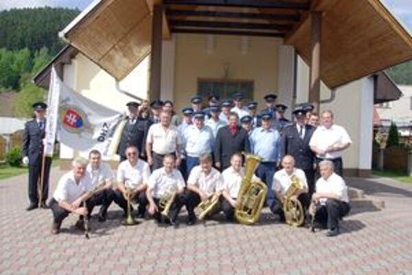 Hasiči si oslavy spríjemnili so Sedmerovankou.