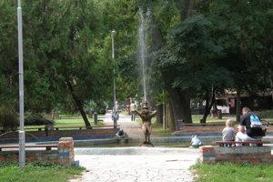 Okolie Žabej fontány je aktuálne bez stĺporadia.
