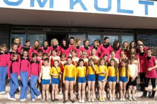 Gymnastiský krúžok v Ludaniciach má 45 členov.