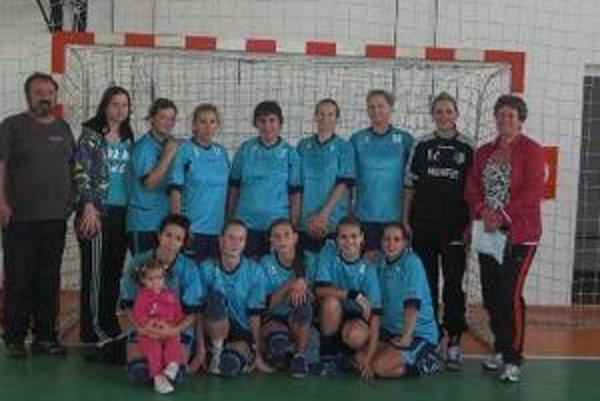 Topoľčianske ženy skončili na turnaji tretie.