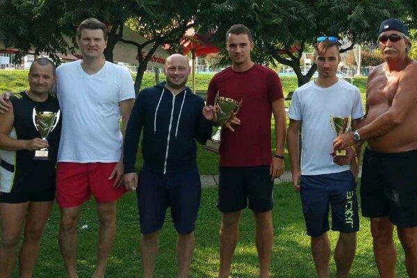 Prvé tri tímy na turnaji v Topoľčanoch.