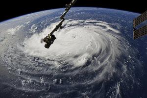 Hurikán Florence na záberoch NASA.