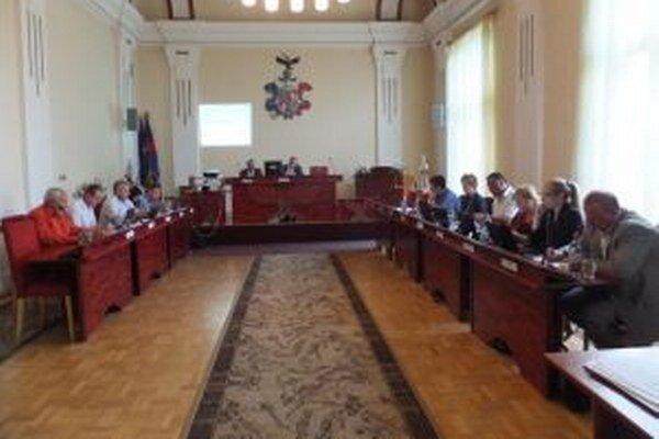 Vrútocké mestské zastupiteľstvo bude mať 13 poslancov.