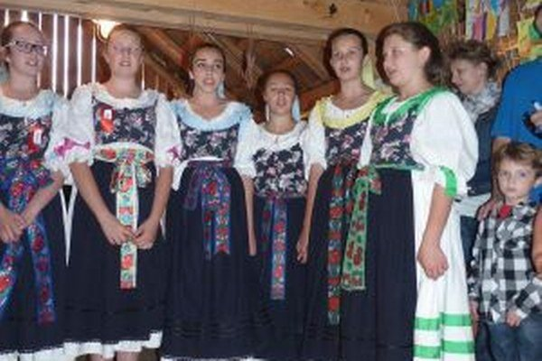 Na vernisáži výstavy vystúpil aj deti z DFS Turiec v Martine.