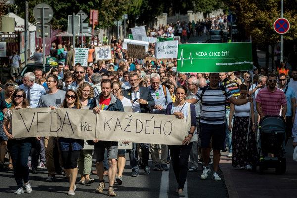 Protestný pochod vedcov v roku 2018.