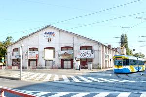 Mestskej športovej hale hrozilo, že pre majetkové spory ju budú musieť zatvoriť a klub sa odtiaľ bude musieť vysťahovať.
