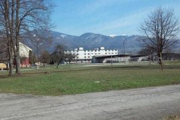 Areál bývalých skladov intendačného materiálu v martinskej Priekope.