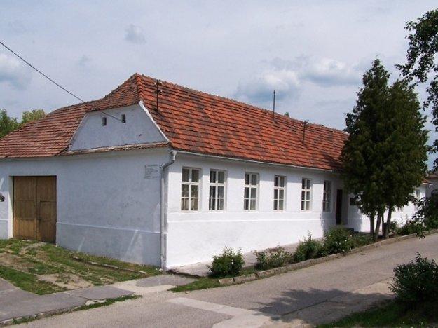 Pamätná izba J. M. Hurbana v Hlbokom.
