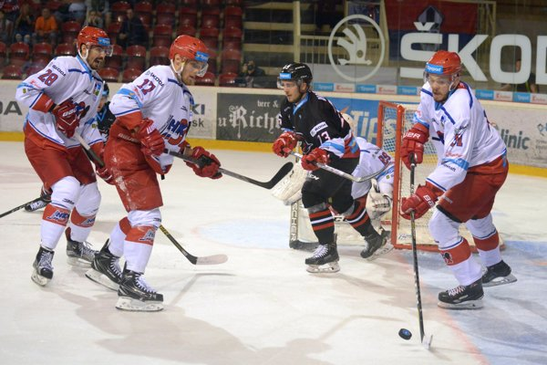 Mikulášania vyhrali prvé dva zápasy.
