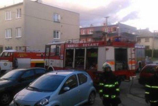 Jánošíkova ulica - Požiar sa podarilo rýchlo uhasiť.