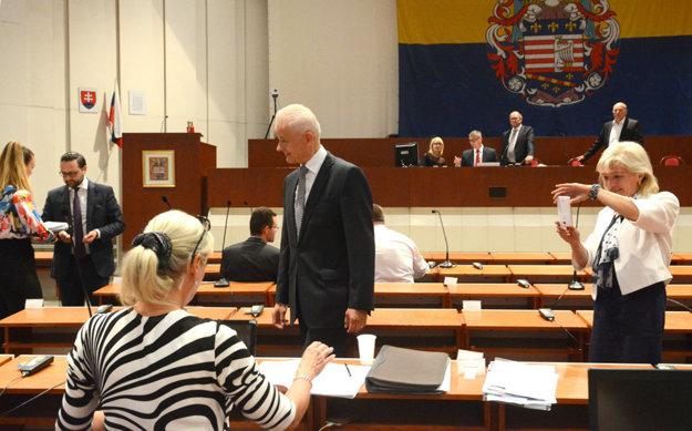 Košickí poslanci sa v pondelok stretli poslednýkrát pred voľbami.