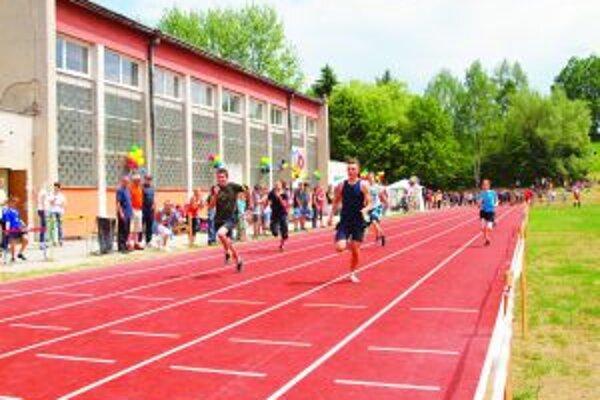 Turčianske hry mládeže. Toto podujatie tiež patrí k tým, ktoré mesto finančne podporuje.