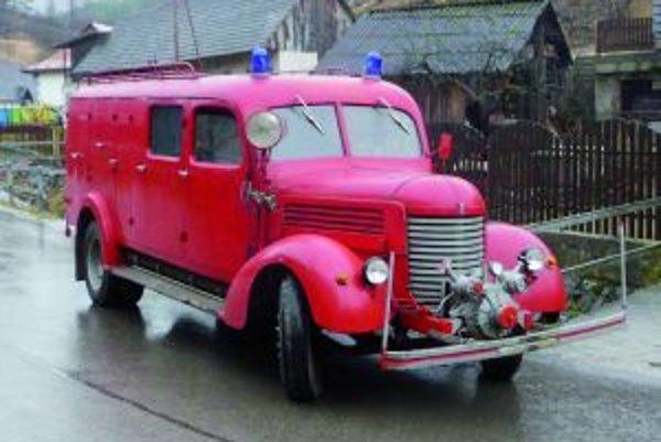 Hasičské auto Praga RN sa čoskoro dočká rekonštrukcie.