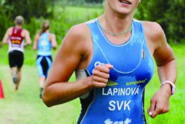 Kristína Lapinová skončila na MS v duatlone trinásta. Oproti vlaňajšku sa zlepšila o osem priečok.