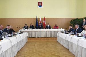 Členovia vlády SR počas výjazdového rokovania 119. schôdze vlády SR vo Svidníku.