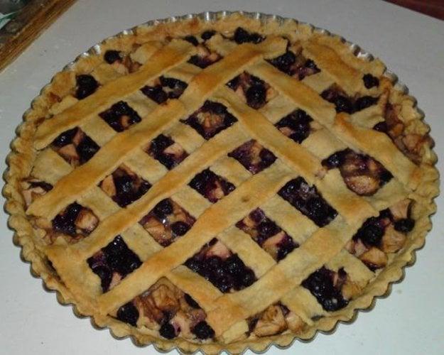 Jablkovo-čučoriedkový pie