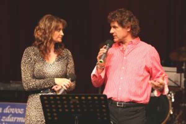Otto Weiter so svojou manželkou a speváckou partnerkou Andreou Fisher Uhríkovou na Turčianskej Šlágerbombe.