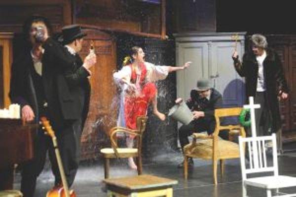 Aj druhú časť divadelného sitkomu prijalo obecenstvo veľmi dobre.