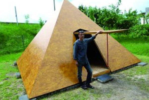 Jaroslav Fábry bude v pyramíde pravidelne relaxovať.